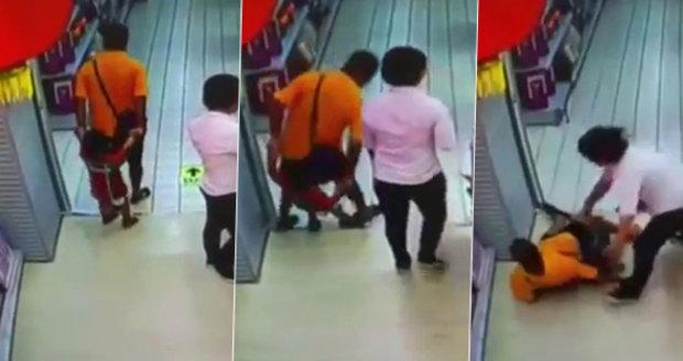 Otec spadl při hře synovi (†4) na hlavu: Zlomil mu vaz!