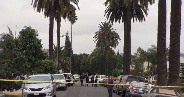 Při přestřelce v Los Angeles zahynuli tři lidé, 12 bylo zraněno