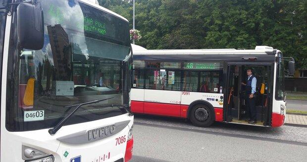 Zloděj ujížděl v autobuse MHD. Ilustrační foto.