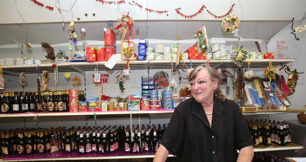 Podnikatelka tuší, kdo stojí za sérií udávání na její podnik.