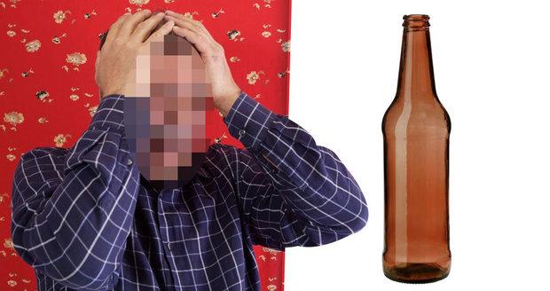 Muž strčil penis do lahve, kde mu uhnil. Úd mu museli amputovat.