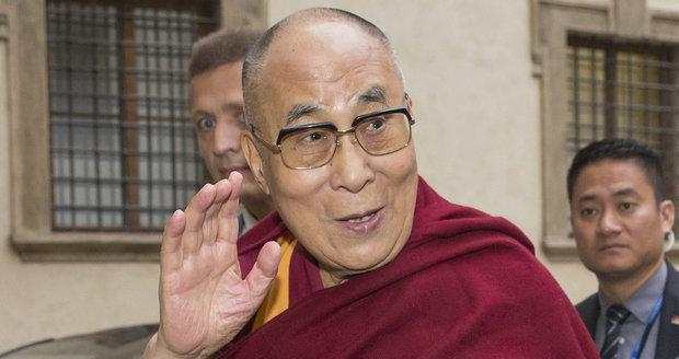 Zeman i Sobotka dali od dalajlamy ruce pryč. Ujistili Čínu, že stojí při ní