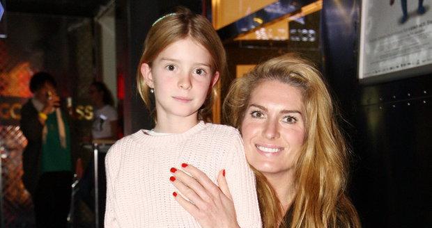 Olga Menzelová s dcerou Aničkou
