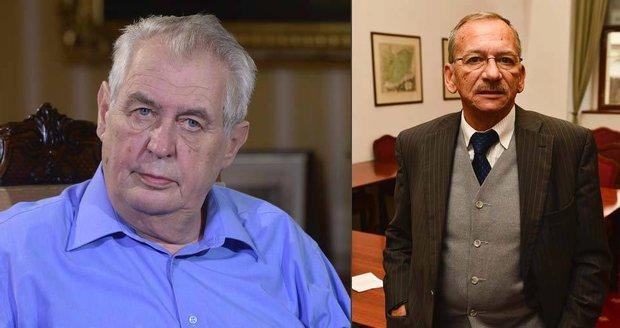 """Zeman by rád viděl v čele Senátu Kuberu. """"Trpaslíci"""" ho ale prý nezvolí"""