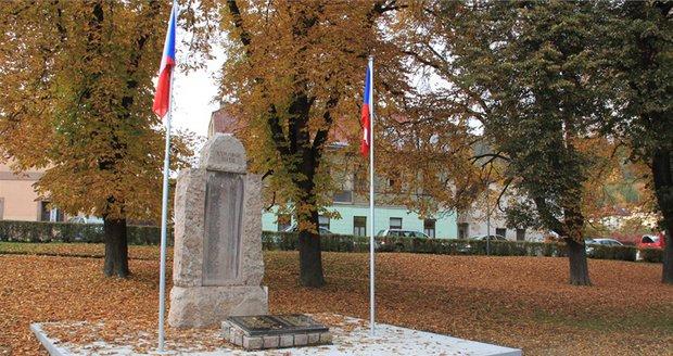 Pietní místo v Radotíně se dočkalo opravy.
