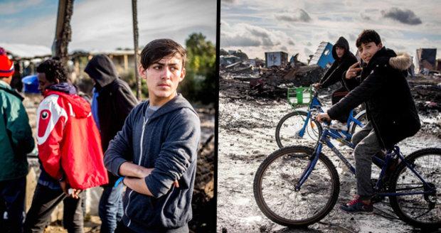 Dáš jídlo uprchlíkům? Dostaneš slzným plynem! Calais se brání vzniku Džungle