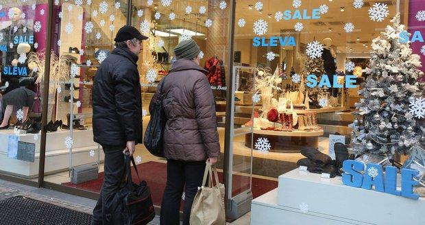 Vánoční svátky Čechy nepotěší, vychází na víkend. Jak zavřou obchody?