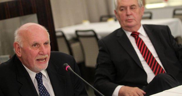 Rychetský varoval Hrad. Zeman nemá s novou vládou otálet, jinak hrozí žaloba