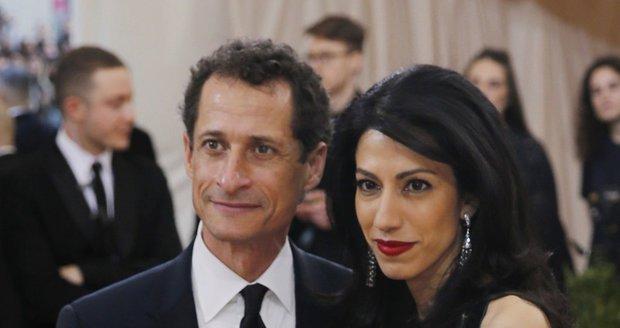 Manžel poradkyně Clintonové je ve vězení. Dostal 21 měsíců za sexuální poštu pro nezletilou
