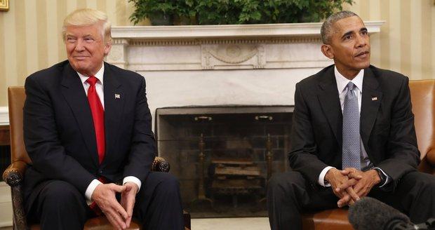 """Obama odhodil zášť a slíbil Trumpovi podporu. Ten ho má za """"dobrého chlapíka"""""""