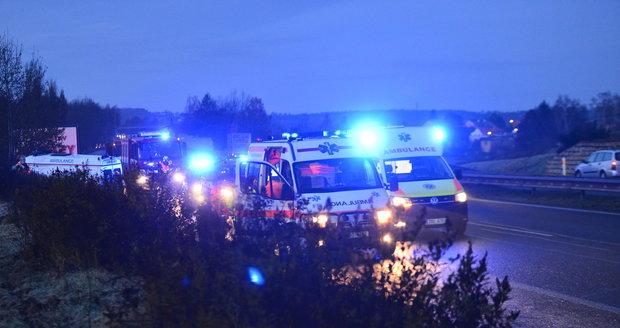 Nehoda na dálnici D10 komplikuje dopravu (ilustrační foto).