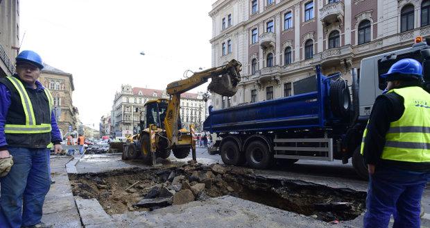Havárie potrubí v centru Prahy (ilustrační foto)