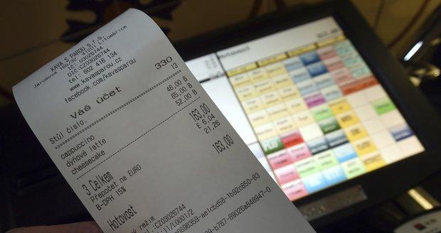 Co přineslo zavedení EET? Zavírání hospod na vesnicích i účtenkovou loterii