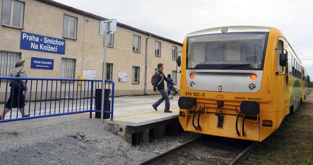 Vlak na Smíchově usmrtil muže, policie událost vyšetřuje (ilustrační foto).