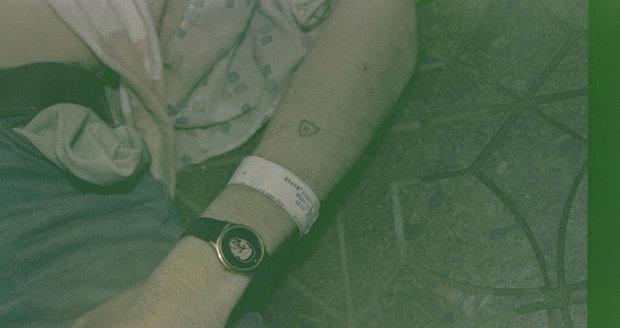 Policie zveřejnila snímky z místa sebevraždy Kurta Cobaina.