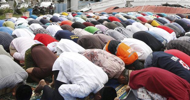 Překvapení vědci: Modlení muslimů je lék na civilizační nemoc, jakou?