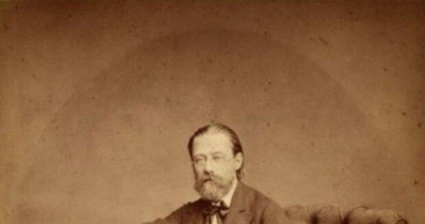 Bedřicha Smetanu známe z dobových snímků jako důstojného umělce. Že byl sužován zdravotními komplikacemi, jsme sotva tušili.