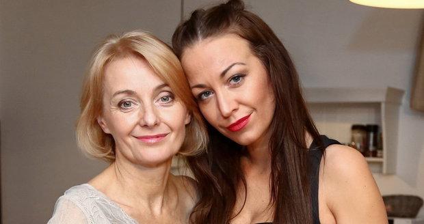 Veronika Žilková (55) a dcera Agáta Prachařová (31)