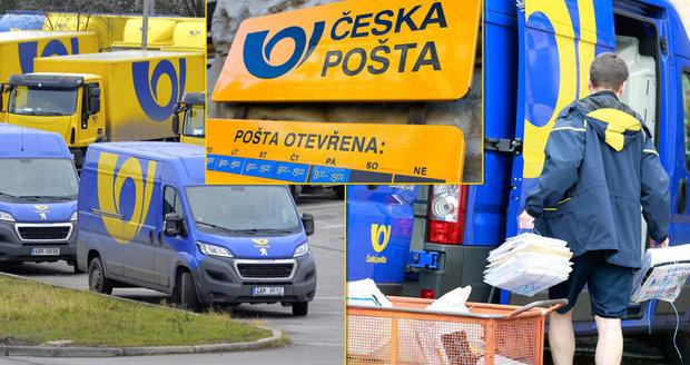 """""""Letošní Vánoce zvládneme lépe,"""" slibuje šéf České pošty. Přijme brigádníky, koupí nová auta"""