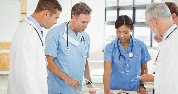 Ministerstvo: Ať nás ošetřují lékaři z ciziny. Chcete to také?