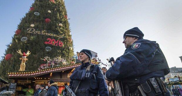 Posílené policejní hlídky na vánočních trzích v německých městech