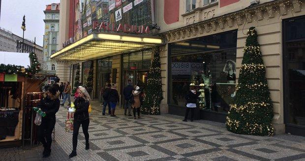 V Palladiu budou mít obchody s rozlohou pod 200 metrů čtverečních otevřeno až do 17 hodin.