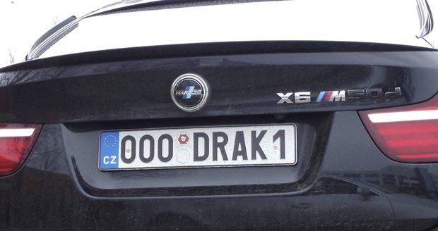 Českem jezdí KRAK0N0S i XXL B00BS. SPZ na přání bylo letos pět tisíc