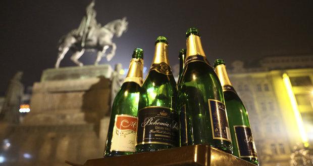 Pražští záchranáři na Silvestra ošetřují zejména zraněné opilce a zranění od petard.