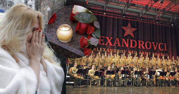Exkluzivní hroby pro Alexandrovce, banky jim odpouštějí dluhy, rodiny bydlí v hotelech