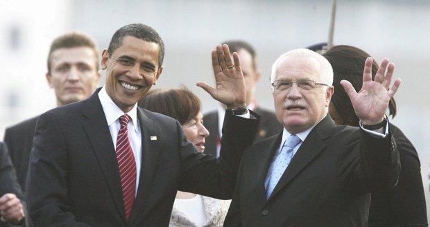Barack Obama při návštěvě Prahy v dubnu 2009: Přivítání Václavem Klausem