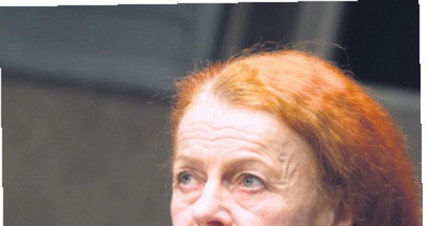 Iva Janžurová se po operaci vrátila do divadla.