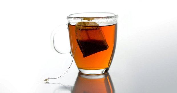 Náš test odhalil rezidua pesticidů v deseti z 12 testovaných sáčkových černých čajů.