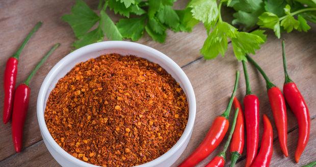 Chilli papričky mohou vyvolat zvracení a potíže s dýcháním.