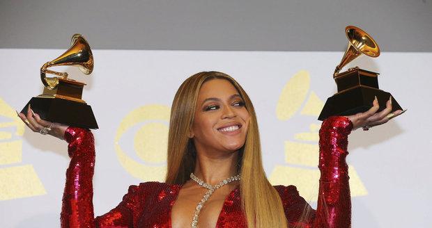 Beyoncé získala dvě ceny Grammy.