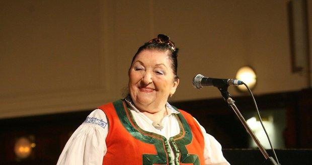Jarmila Šuláková měla několik desítek vlastních krojů.
