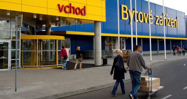 Češi utratí za nábytek v průměru 17 tisíc ročně. Vítězí IKEA, Sconto a Kika