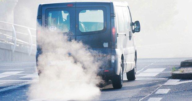 Rozhodnuto. Nová auta budou ekologičtější. Emise se sníží o třetinu