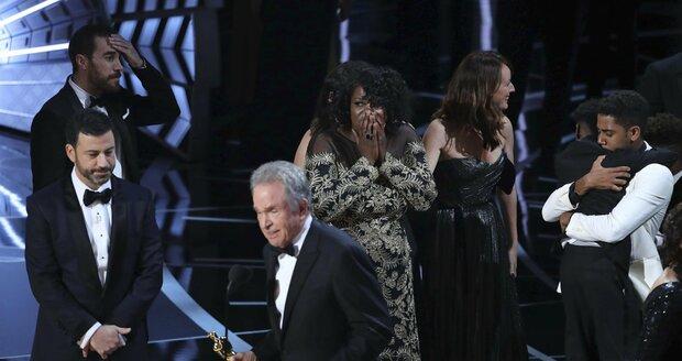Warren Beatty omylem vyhlásil špatného vítěze.