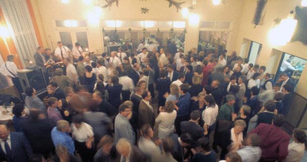Úleva od EET: Vesnické tancovačky a plesy se obejdou bez registračních pokladen
