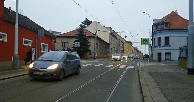 Trojskou ulicí v Praze neprojedete, silnice je ve špatném stavu.