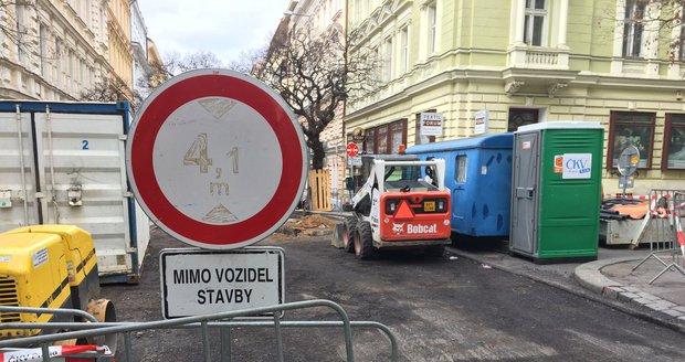 V Uhříněvsi dojde přes září k dopravní uzavírce jedné z postranních uliček. (ilustrační foto)