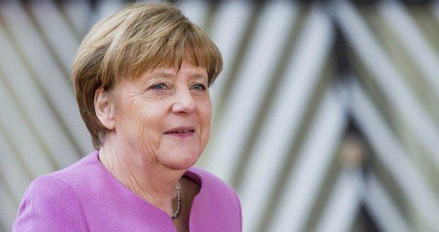 Merkelová schválila kroky proti Česku. Zaorálek: Uprchlíci Komisi neposlechnou