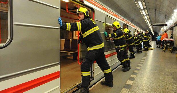 Pád osoby pod metro na trase B. (ilustrační foto)