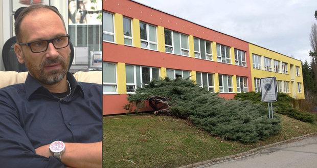 Hynek Charous, rodič jednoho z dětí brněnské základy, protestuje proti pojetí přednášek v rámci projektu Edison.