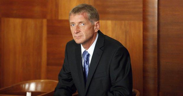 Janoušek žádal odpuštění zbytku trestu. Soud to zamítl, odpykal si jen menší část