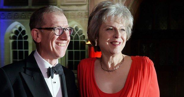 Britská premiérka otevřeně o soukromí: S manželem se doma hádáme o ovladač