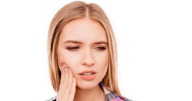 Bolí vás zuby? Vyzkoušejte triky, jak se jí zbavit do hodiny!