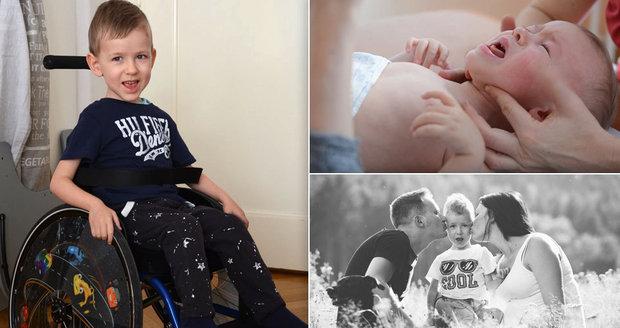 Je líný, tvrdil lékař rodičům. Adámkovi (4) pak našli nevyléčitelnou nemoc