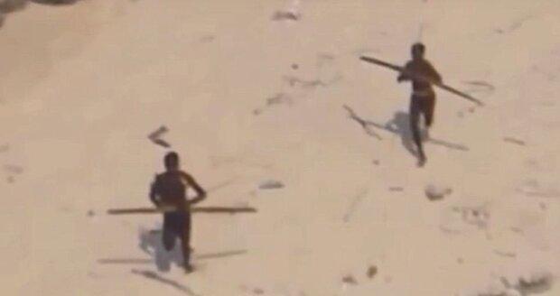 Domorodý kmen na ostrově Severní Sentinel