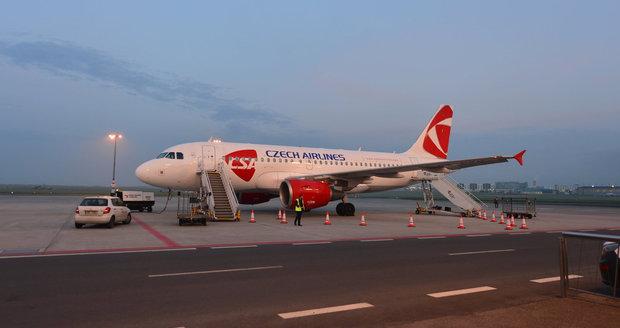 Turisté z Prahy odletěli na Kos. Do Brna se lidé už vrátili